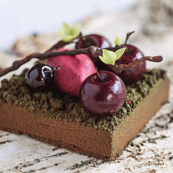 351 mentions J'aime, 3 commentaires – The Best Chefs Of The World (@thebestchefsoftheworld) sur Instagram : « Uncharacteristic of us, but... '#TBT' to this Black Forest dessert made with Kirsch mousse with… »