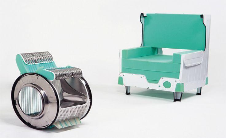 """Cadeiras """"futuristas"""" são criadas a partir de máquinas de lavar antigas"""