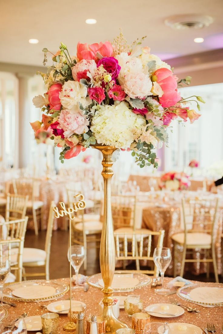 All that Glitters is Pink with this Michigan Wedding