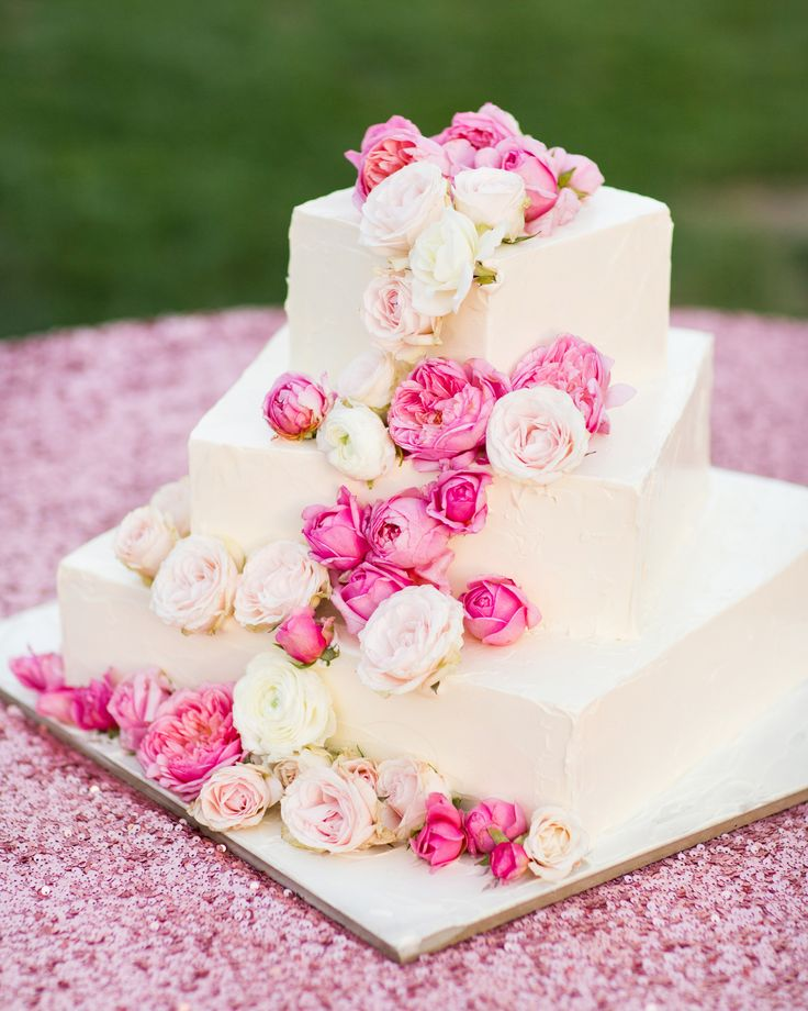 Assymetric Wedding Cake with Pink Roses + Sequined Linens - See more here: http://www.stylemepretty.com/little-black-book-blog/2014/05/20/whimsical-ojai-valley-wedding/ #SMP - Photography: Jonathan Young - jyweddings.com