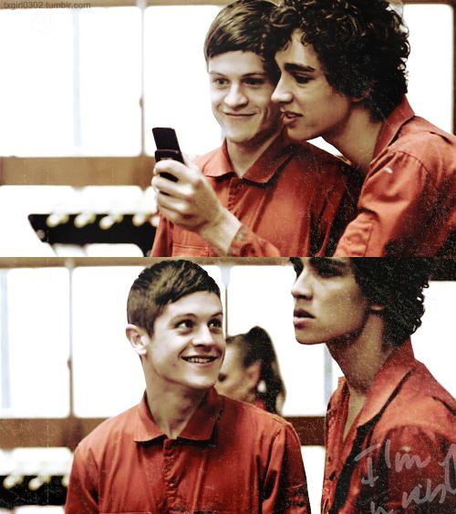 Misfits - Simon and Nathan by txgirl0302.deviantart.com on @deviantART || Simon Bellamy -- Iwan Rheon & Nathan Young -- Robert Sheehan