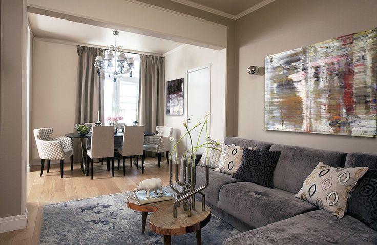 Благодаря тонкому чувству вкуса и меры, дизайнеру проекта удалось создалть гармоничный и стильный интерьер для большой семьи на стыке американской неоклассики и французского ар-деко
