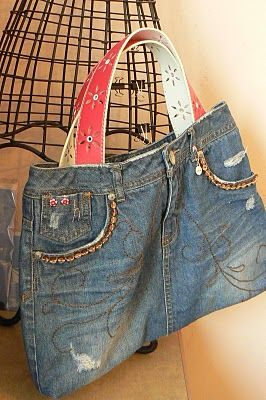 The Creative Homemaker: Inside {My} Organized Purse (Tutorial for making a purse out of jeans/denim skirt)
