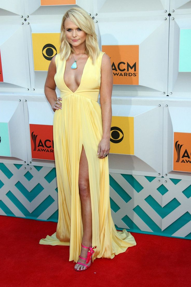 """Fashion Police"" Says Miranda Lambert Invented an Entire New Look on the ACM Awards Red Carpet"