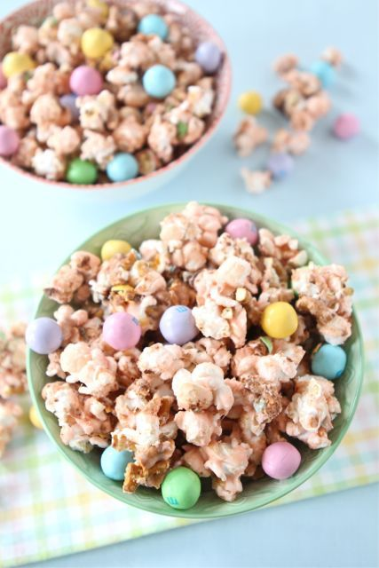 Salted caramel Easter popcorn {two peas and their pod}