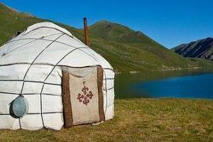 verso la Yurta dei paesi dell'Asia Centrale