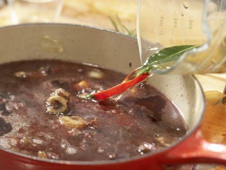 Rehrücken mit Chili-Schoko-Sauce Zubereitung Schritt 4