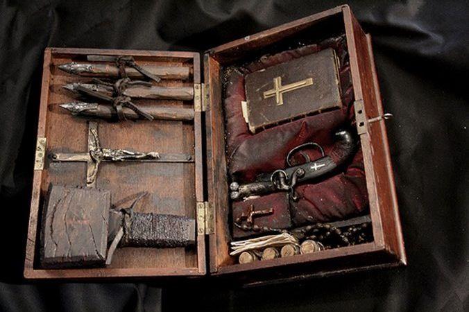 vampires 1800s | Real Vampire Hunter Kits From The 1800s