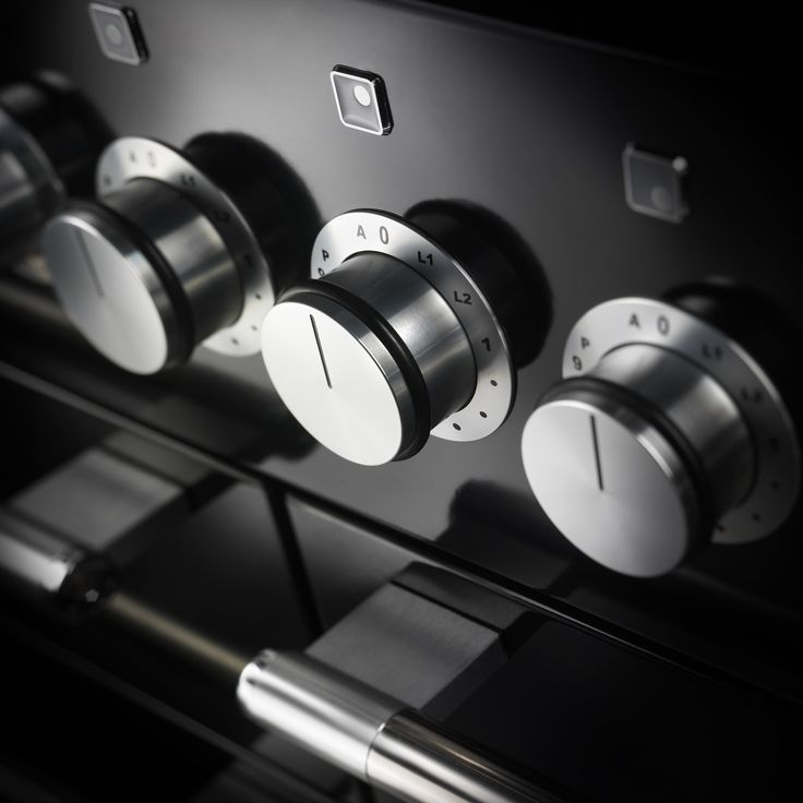 Mercury heat control is delivered with 9 eye catching hi-fi controls. Each one offers precise cooking control from the hob burners to ovens and grill.