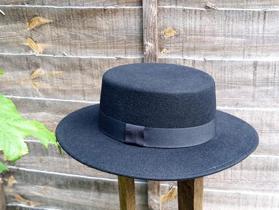 Boater Wool Felt Boater Hat Black Wool Felt Round Crown Wide Etsy In 2021 Wide Brim Fedora Wide Brim Hat Men Wide Brim Hat