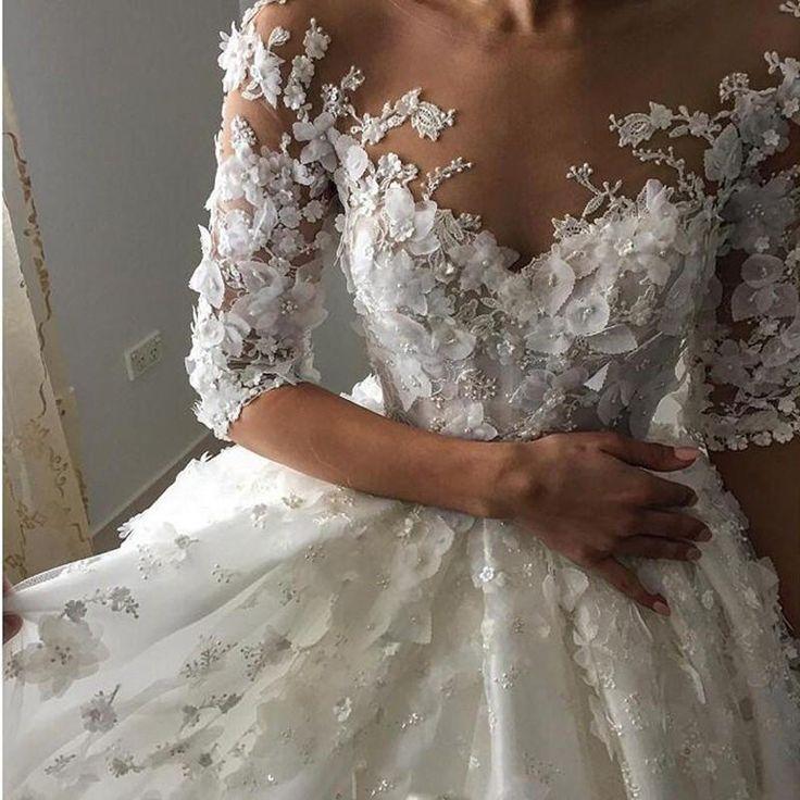 Vintage Appliqued Half Sleeve Wedding Dress, Flowers Ball Gown Luxury Tulle Wedding Dress,N133