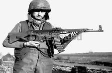 WW2 Photo Picture American soldier M1 helmet and German rifle StG-44 301