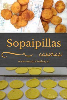 Las sopaipillas chilenas son a base de una masa con zapallo amarillo de guarda, y luego fritas. Deliciosas pasadas, espolvoreadas con azúcar flor o con palta.