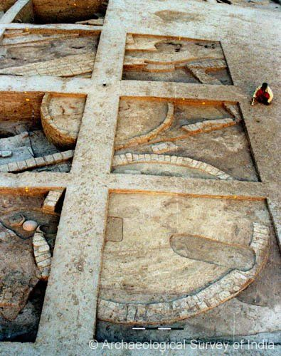 New evidence provides insight on early India; circular grain silos dating back 7380-6201 BC, shattering the belief that Indian culture started around 3750 BC.