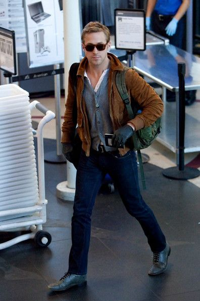 Ryan Gosling Suede Jacket - Ryan Gosling proved to be the epitome of a seasoned traveler as he wore an outfit that was both stylish and very comfy too.