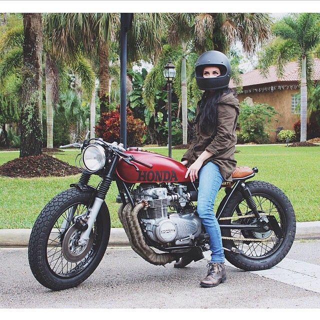 """brothermoto: """"Digging @daniellevee lovely Honda. Perfectly customIzed """""""