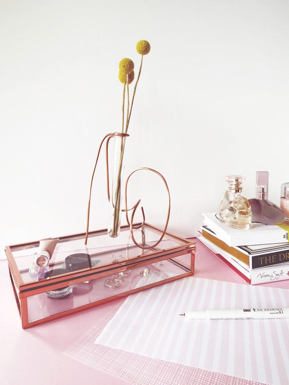 desk decor for women