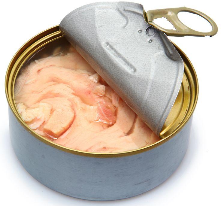 """Cosa c'è davvero nelle scatolette di tonno? Lo svela la classifica """"Rompiscatole"""" di Greenpeace. Il tonno in scatola è la conserva ittica più venduta in It"""