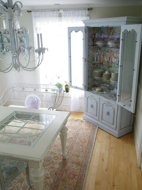 Maison Decor: Fabulous Wallpapered Cabinet