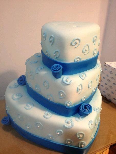 Heart shaped wedding cake Wedding Cakes Pinterest ...