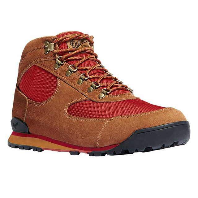 The original Danner Jag debuted in the '80s as a lightweight alternative to the classic, heavy-duty hiking boots. After a few years on the trail supporting external frame backpacks and complementing d