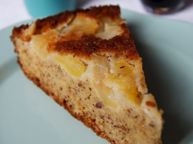 Gâteau pommes noisettes // Un classique simple et gourmand ==> http://www.ptitchef.com/recettes/autre/gateau-pommes-noisettes-fid-1128679?utm_content=buffer57d43&utm_medium=social&utm_source=twitter.com&utm_campaign=buffer #recette #cuisine #ptitchef #ptitchefrecette #recipe #food #foodpic #cook #cooking #gateau #cake #pomme #noisette #gouter #gourmand