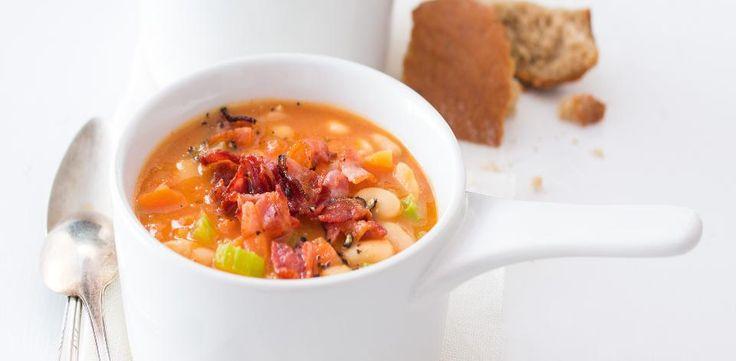 Fazolová polévka se slaninou