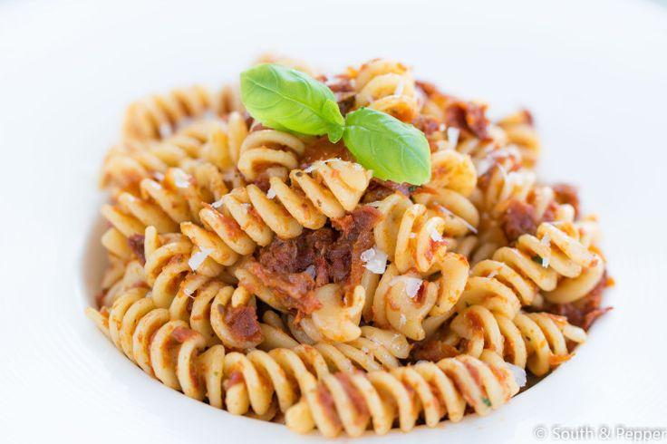 Recept: fusilli met zongedroogde tomatentapenade. #kokenmetkliekjes #nofoodwaste #makkelijkensimpel #recept #recepten #pasta #italiaans #pastarecept #zongedroogdetomaten #pasta #koken