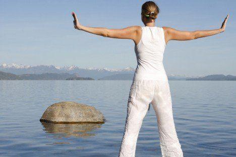 A 6 brokáttekercs, a csikung legnépszerúbb gyakorlatsora, az egészség megőrzésére az egyik legjobb módszer.