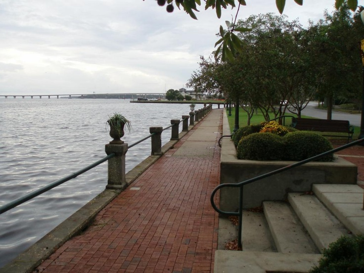 New Bern, North Carolina <3 my dream town, the most beautiful town I have ever been to