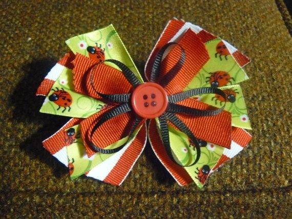 New hand made hair bow Made with gross grain by CindysSaleBarn, $3.50