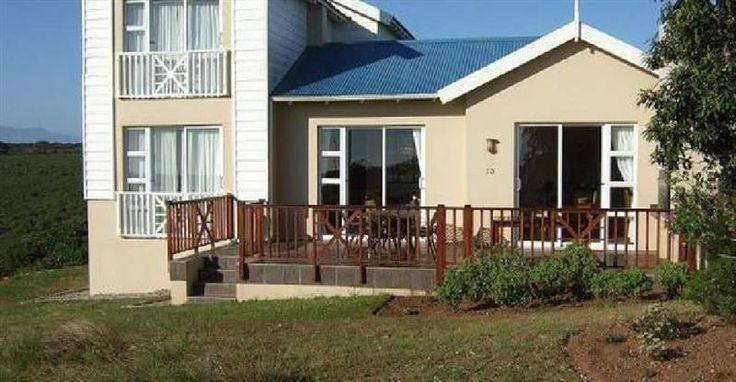 Lodge 73 Pinnacle Point - The holiday house built on three levels comprises of three bedrooms with en-suite bathrooms, and is fully furnished for comfort. The well-equipped kitchen contains a fridge, a microwave, an oven with a ... #weekendgetaways #mosselbay #gardenroute #southafrica