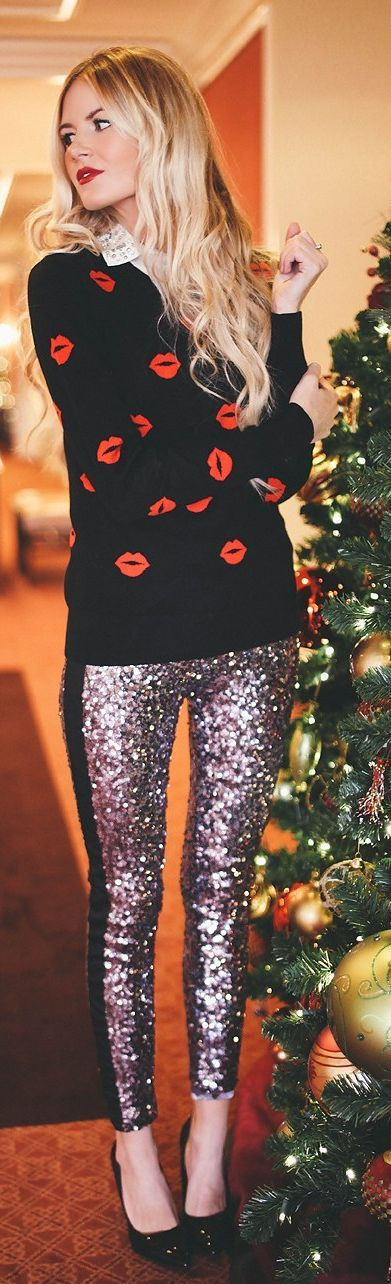 #Sequin #Leggings by Barefoot Blonde => Click to see what she wears