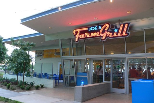 Arizona Foothills has put together a great list of restaurants around Phoenix that your kids are sure to enjoy!