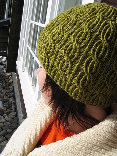 Lina by joko knits, via Flickr    Cool Pattern - Free Pattern
