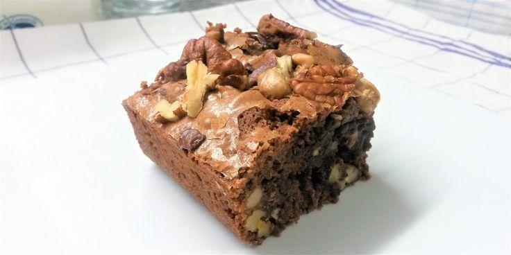 Après de nombreuses recherches et de nombreux essais sur le brownie, j'ai enfin réussi à obtenir un résultat convaincant pour ce gâteau typiquement américain.