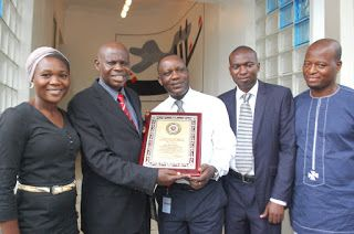 NEWS, POLITICS, SOCIETY AND ENTERTAINMENT: PR REDLINE MANAGING DIRECTOR, LEKAN ISHOLA BAGS AN...