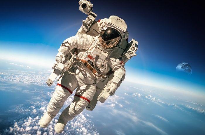 10 нелицеприятных секретов NASA, о которых никто и не догадывается http://kleinburd.ru/news/10-nelicepriyatnyx-sekretov-nasa-o-kotoryx-nikto-i-ne-dogadyvaetsya/  Сторонники теории заговора во всем мире спекулируют относительно многих предполагаемых секретов Национального управления по аэронавтике и исследованию космического пространства или NASA. За свою 60-летнюю историю подчиняющееся правительству ведомство было обвинено в фальсификации высадки на Луну, в намеренном сокрытии следов…