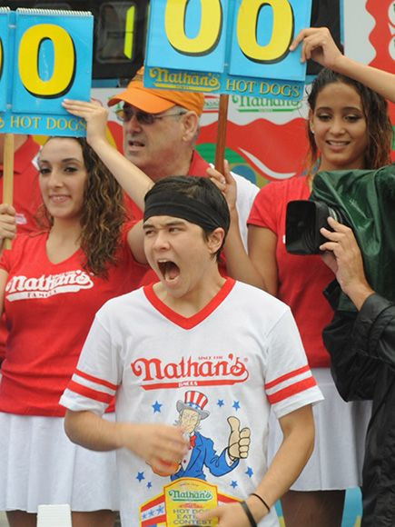 Dethroned! Matt Stonie Defeats 8-Time Champ Joey Chestnut in Nathan's Annual Hot Dog-Eating Contest http://www.people.com/article/matt-stonie-beats-joey-chestnut-hot-dog-eating-contest