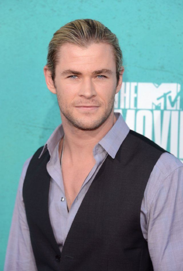 Chris Hemsworth at event of 2012 MTV Movie Awards