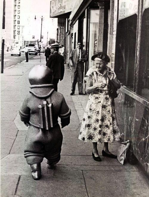 alien in the 50s town