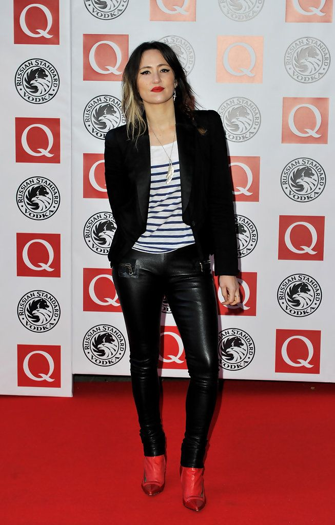 KT Tunstall Skinny Pants - KT Tunstall is rocking the skin-tight leather pants for The Q Awards. Matched with red leather boots and a black blazer, KT makes this look all her own.