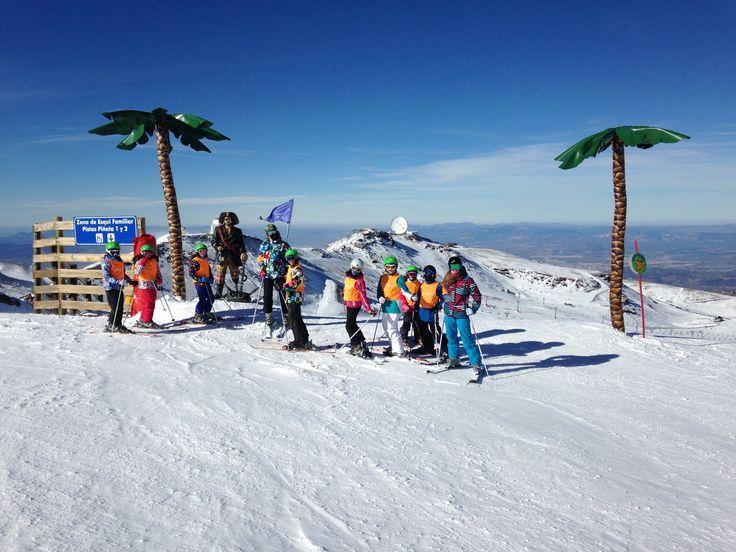Cursos de esquí y snow en sierra nevada, todos los niveles de esquí y snow. Ideal para niños y adultos .Principiantes y niveles altos de esquí. Cosultenoa