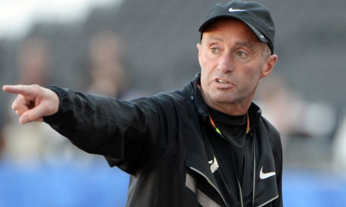 UK Athletics insists it has 'no concerns' over Alberto Salazar coaching of Mo Farah • Mo Farah's coach backed by UK Athletics over conduct and methods • Salazar alleged to have given banned steroid testosterone to Galen Rupp