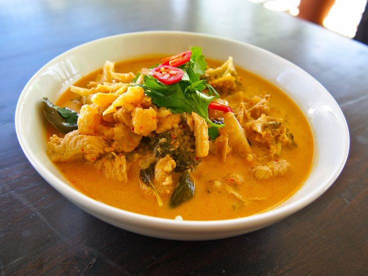 Thermomix Red Thai Chicken Curry with Quinoa - Recipe http://www.thewellnest.com.au/#!savoury/cylr
