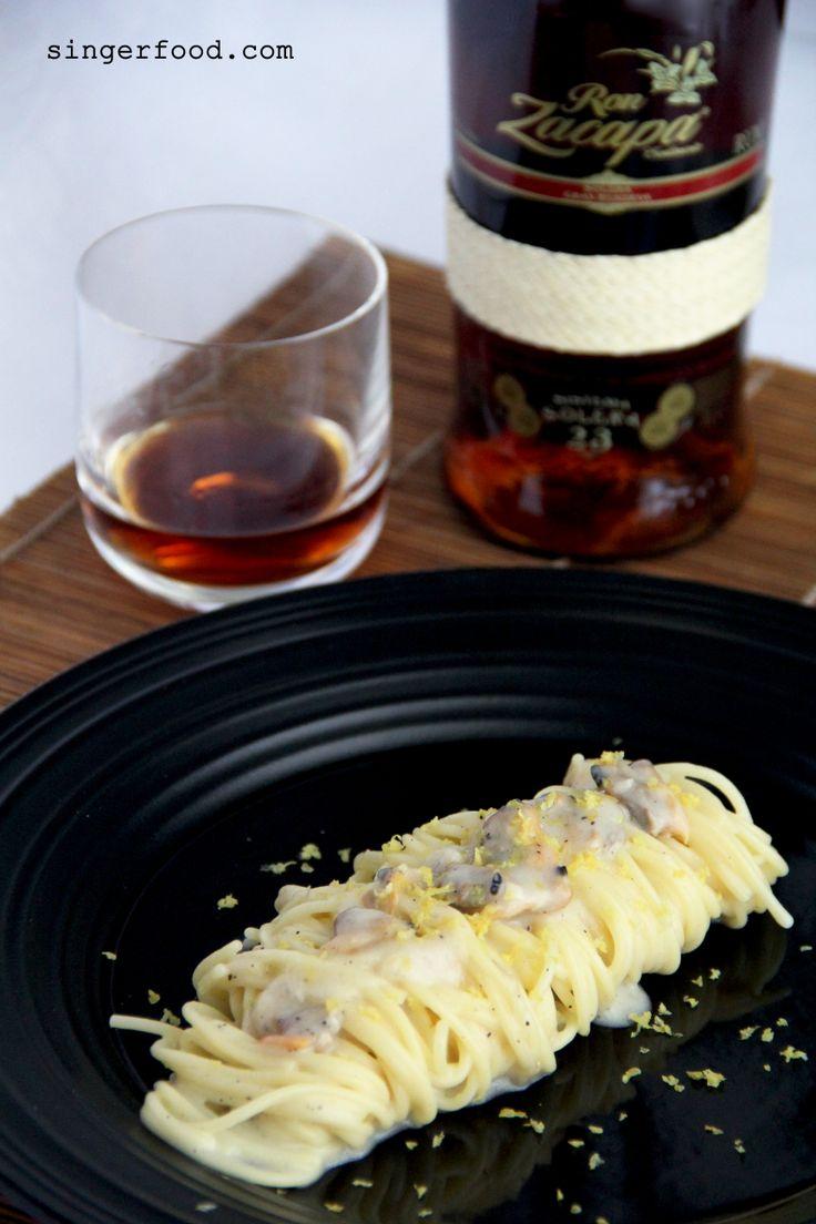 SPAGHETTINI CACIO&PEPE CON VONGOLE VERACI E CEDRO - http://www.singerfood.com/2014/05/spaghettini-cacio-vongole-cedro-per.html