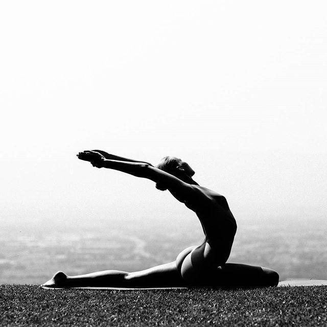 naked yoga class all girls