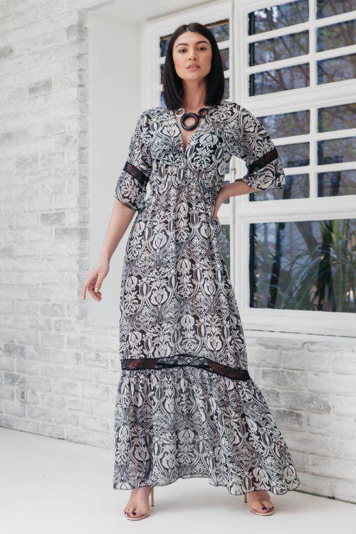 9d22fd4e1d26 Φόρεμα μακρύ εμπριμέ γκρι με λεπτομέρεια δαντέλα στις άκρες