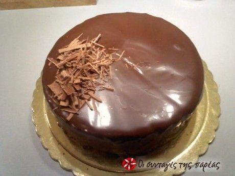 Ο μαστρο-Στέλιος (Παρλιάρος) μας φέρνει από το... 'μέλλον' το πιο σοκολατένιο γλυκό που φάγατε ποτέ.