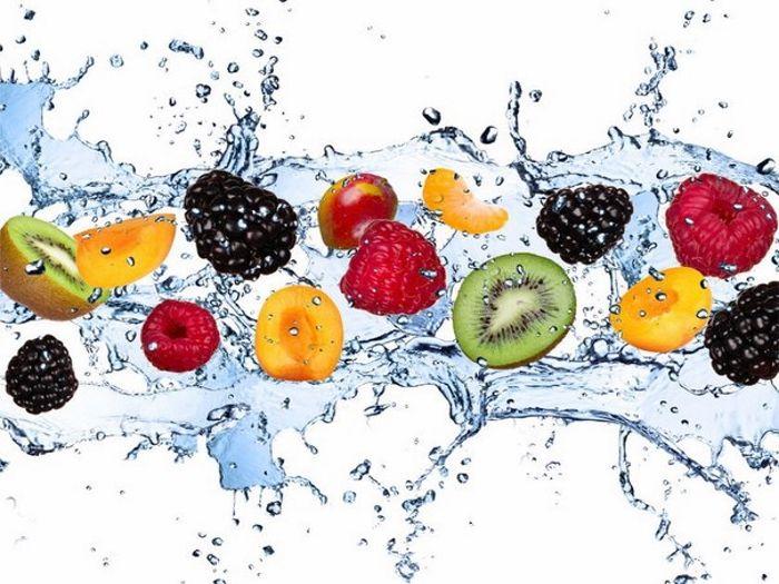 АНА-кислоты (аlpha hydroxy acids), или альфа-гидроксикислоты– органические кислоты, которые встречаются в плодах и фруктах, отсюда и еще одно их название – фруктовые кислоты. На сегодняшний день это одно из самых эффективных омолаживающих и регенерирующих средств. Благодаря активному примен...